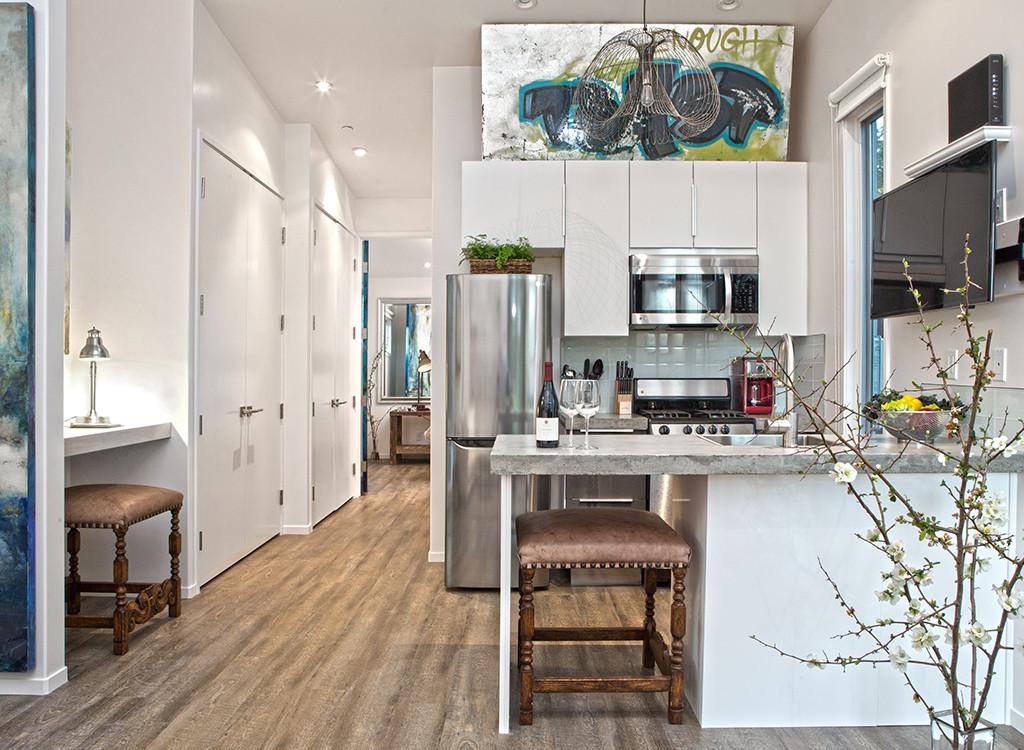 Sargam Griffin's ArtShed, Kitchen